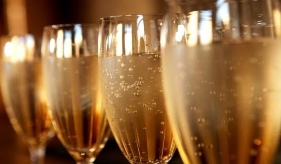 Apéritif Champagne et Accompagnements - 12.90 € HT / personne