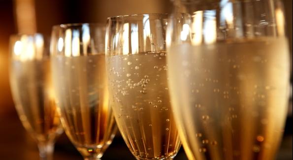 Kapalouest balades en mer la voile pour tous la rochelle ap ritif champagne et accompagnements - Combien de bouteille de champagne par personne ...