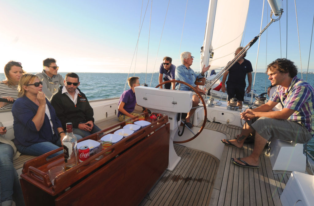 Saint Aubert - voilier 16 passagers - apéritif